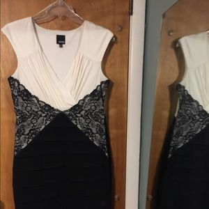 Melrose ivory/black sleeveless sheath dress